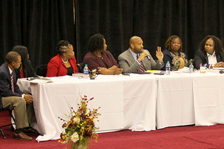 Book Discussion draws light from panel