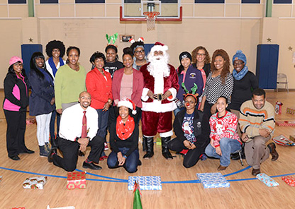 College of Veterinary Medicine shares true spirit of giving with George Washington Carver Elementary School