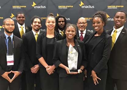 Students expand entrepreneurial skills, networking during national Enactus competition