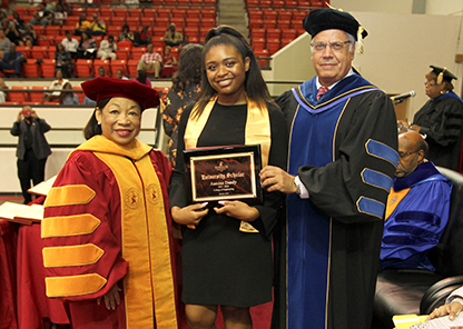 Annual Scholarship Convocation honors more than 630 students for academic excellence