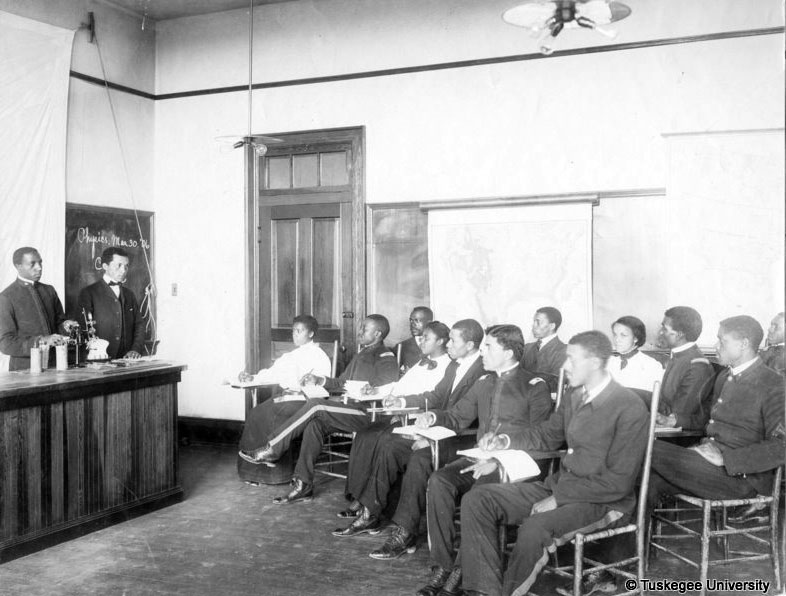 Early Physics Class at Tuskegee Institute