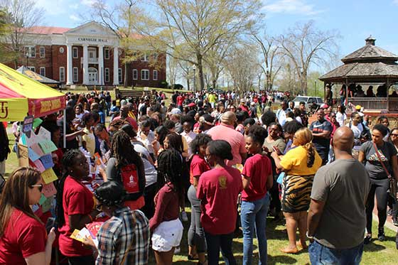 Prospective students and family on the yard