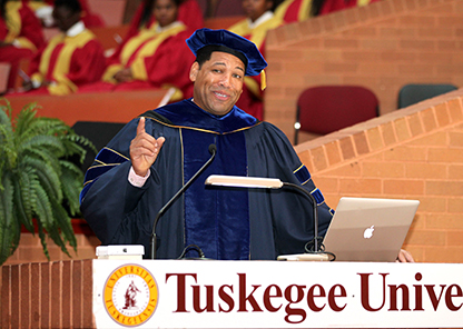 Dr. Emmitt Jolly speaks at Convocation