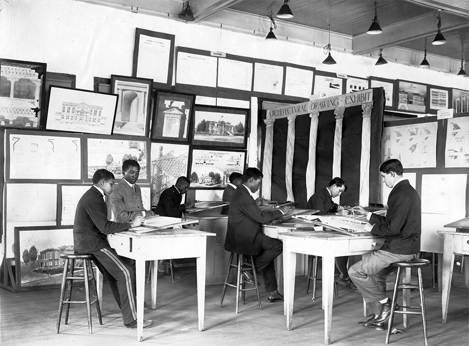Picture of an early Architecture classroom